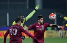 Victor Bruno (foto,   în vișiniu) a marcat primul gol al CFR-ului în fața Stelei,   la capătul unei faze de fotbal,   de manual / Foto: Dan Bodea