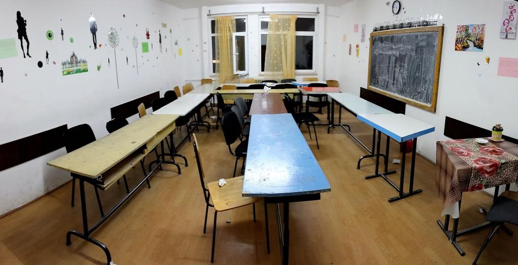 """Așa arată o sală de clasă în care învață evii de la Liceul Teoretic """"Mihai Eminescu""""/ Foto: Dan Bodea"""