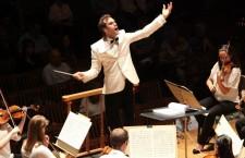 Tinerii Clujului. Vlad Agachi,   un dirijor atipic: explică muzica clasică pe înțelesul tuturor