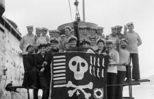 Ştiaţi că Jolly Roger este numele tradiţional dat steagurilor folosite de piraţi?