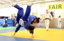 Corina Căprioriu și Ștefania Dobre luptă în limitele aceleiași categorii de greutate (57 de kilograme),   fiind de multe ori partenere de antrenament în sala de judo de la Cluj / Foto Dan Bodea