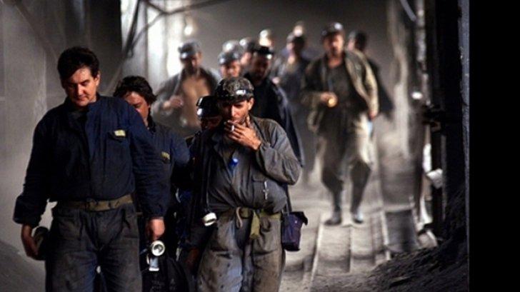Peste 100 de mineri de la Salina Ocna Dej care s-au blocat în subteran mai bine de 36 de ore, au ieșit la suprafață după ce plafonul salarial a fost readus la nivelul cerut de ei