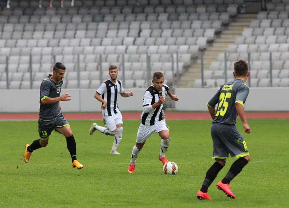 Universitatea Cluj a câştigat, scor 3-1, meciul disputat la Pâncota, cu echipa locală Şoimii, ultimul din 2015 / Foto: Dan Bodea