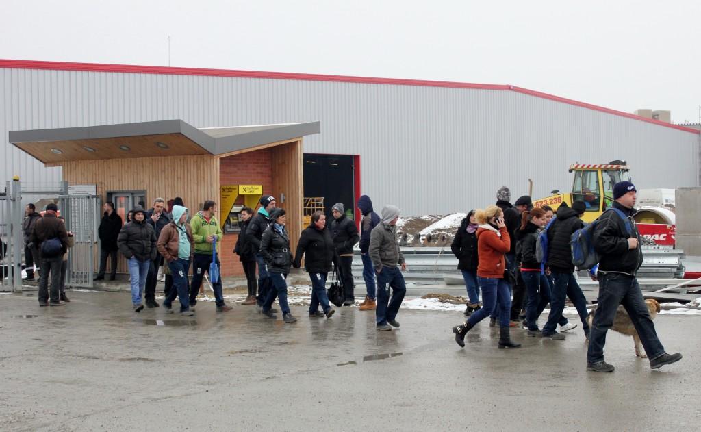 Primul schimb de la fabrica Ecolor din Jucu/ Foto: Dan Bodea