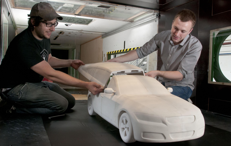 Fie că vorbim despre caroserie, motor sau alte componente, acesta pare să fie viitorul industriei auto: piesele realizate folosind tehnologia 3D printing (Sursa foto: www.3ders.org)