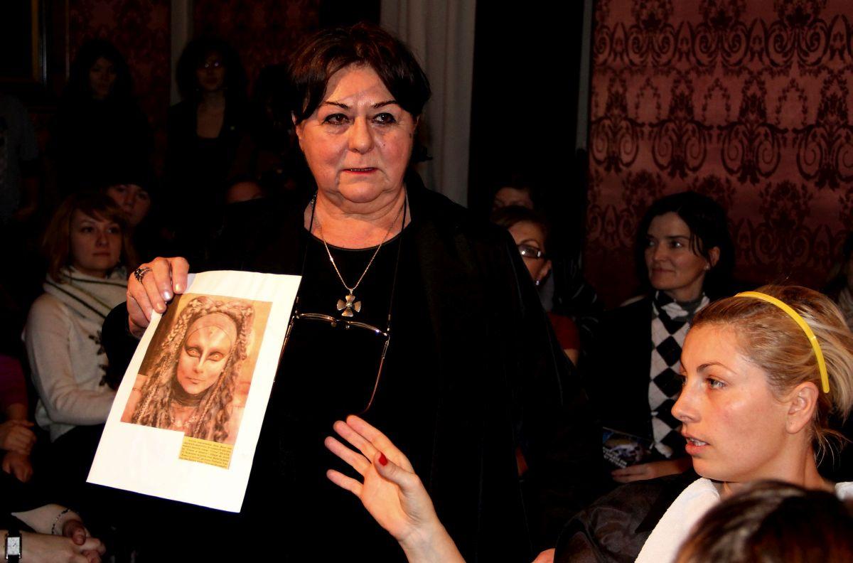 Doamna Melania Ursu,   în decembrie 2013,   la Noaptea Porților Deschise la Teatrul Național/Foto: Dan Bodea