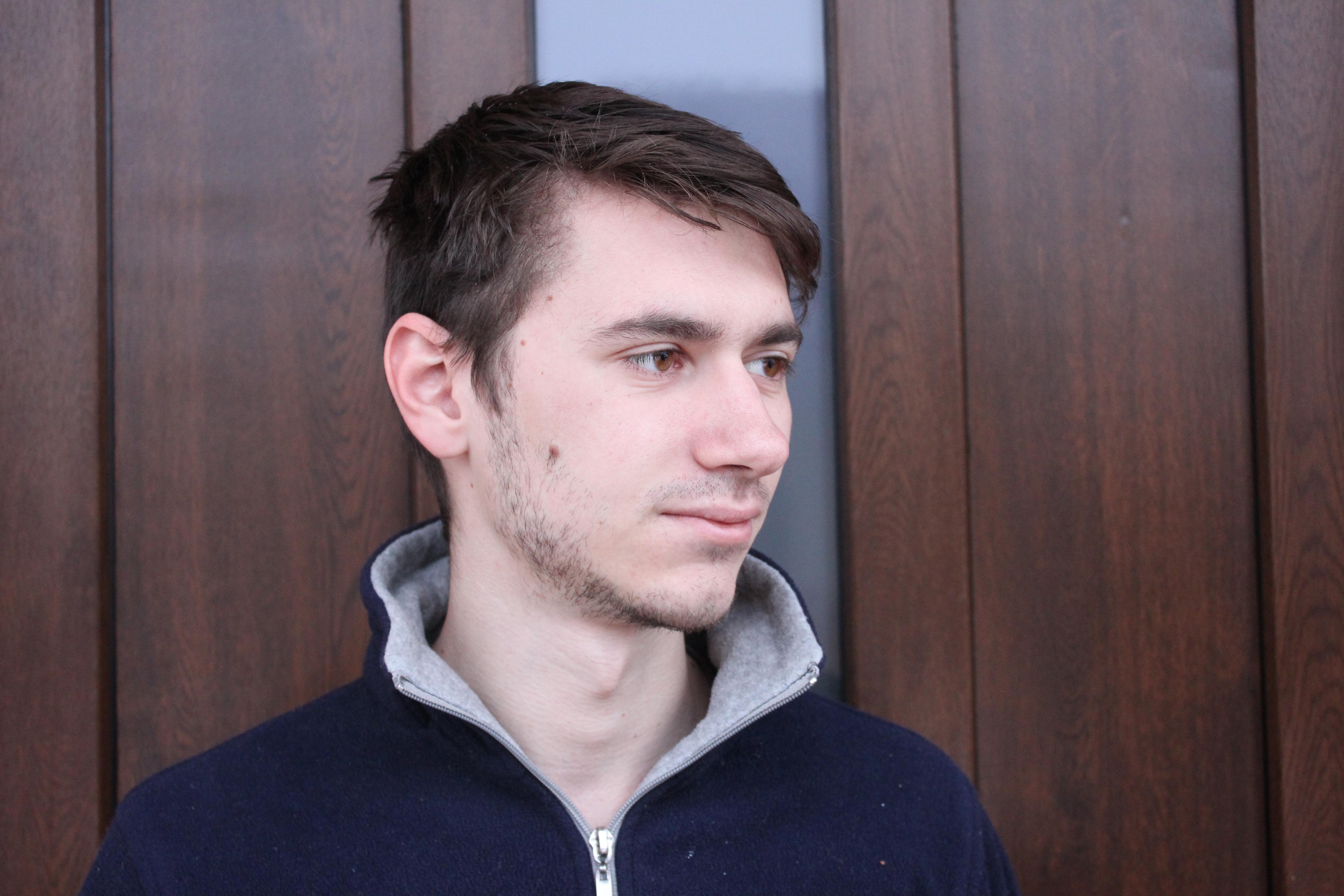 Paul Sapun,   student