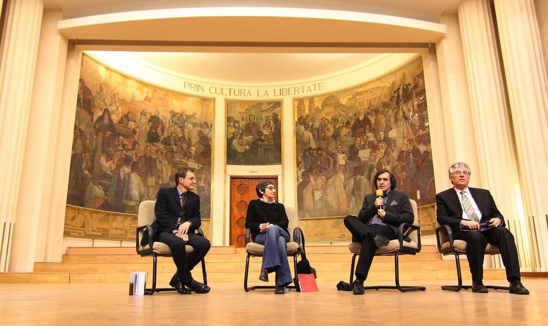 Mircea Cărtărescu, alături de Marta Petreu, Ioan Aurel Pop și Ilie Rad/Foto: Dan Bodea