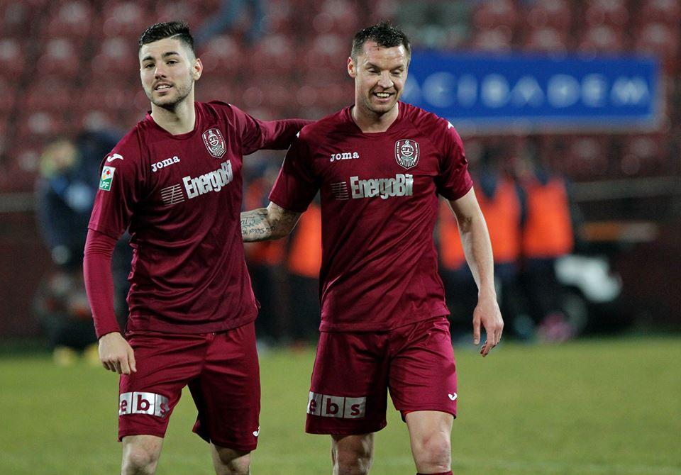 Cristi Bud (foto, în dreapta imaginii) a marcat golul echipei CFR în deplasare la Timișoara, de unde ardelenii s-au întors cu un punct / Foto: Dan Bodea