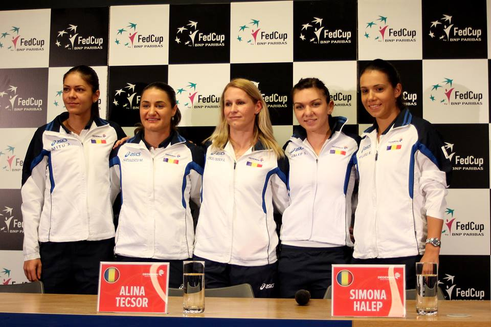 Echipa feminină de tenis a României, pregătită pentru meciul cu Cehia din sferturile Fed Cup, de la Cluj / Foto: Dan Bodea