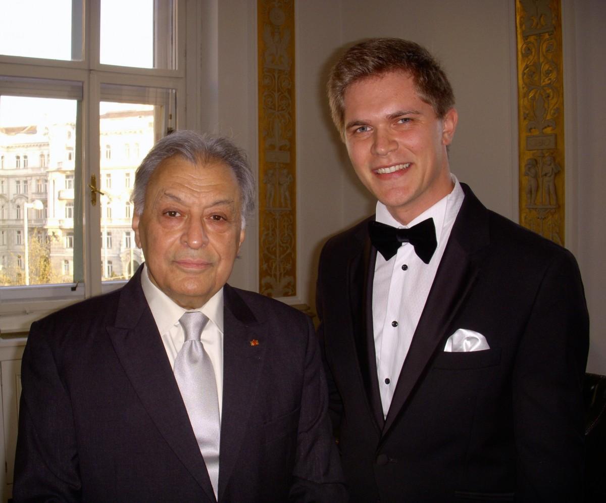 Raul Lenart,   împreună cu maestrul Zubin Mehta/Foto: Arhiva personală