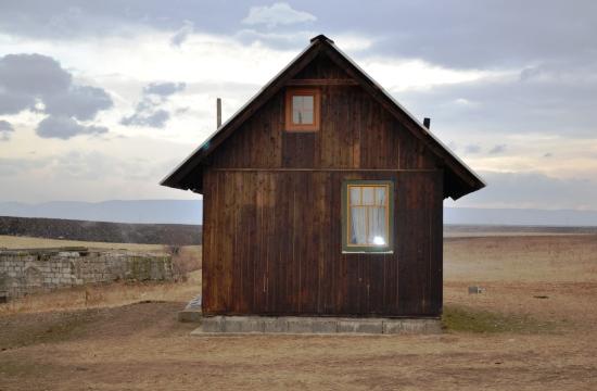 Prima casă construită la Icar/ Foto: Maria Man