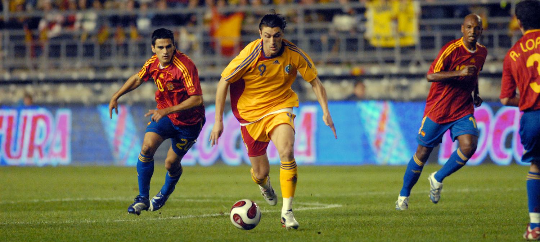 """Ciprian Marica a marcat unicul gol al ultimei victorii """"Tricolore"""" în faţa Spaniei, la data de 15 noiembrie 2006, la Cadiz / sursa foto: frf.ro"""