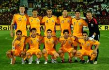 Convocat și pentru meciul cu Spania,   fundașul Cristian Săpunaru (foto,   al patrulea din stânga,   rândul de sus) este singurul supraviețuitor al naționalei României care juca acum 8 ani,   la Cluj,   cu Lituania foto: Dan Bodea