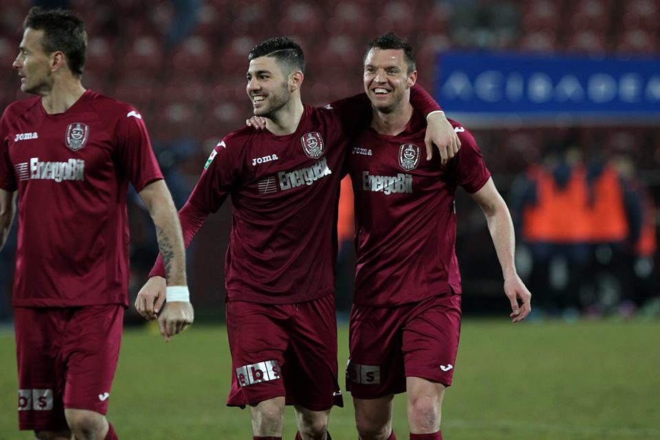 Cristian Bud (foto, în dreapta imaginii) a marcat al doilea gol consecutiv în LIga 1, de la revenirea la CFR Cluj / Foto: Dan Bodea