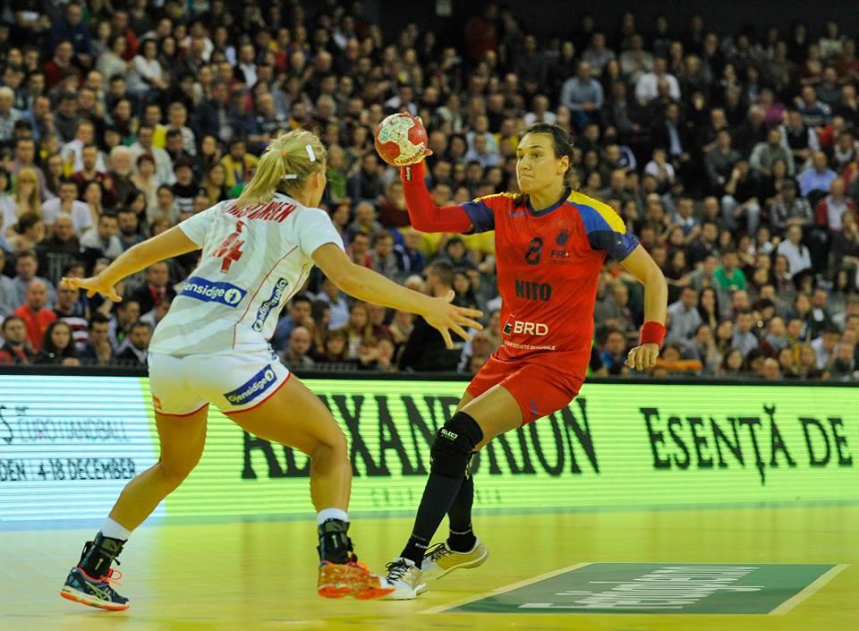 Cu 10 goluri marcate în poarta Norvegiei, Cristina Neagu a contribuit decisiv la victoria României (25-20) în fața nordicelor, într-un meci de calificare la Campionatul European / Foto: Dan Bodea