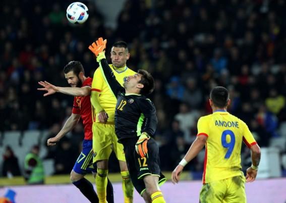 Portarul Spaniei,   Iker Casillas,   a bifat la Cluj selecția cu numărul 166 în echipa națională,   record european în materie / Foto: Dan Bodea