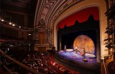 Ziua Mondială a Teatrului a fost creată în 1961 de către Institutul Internaţional de Teatru şi este, de atunci, sărbătorită anual în centrele institutului şi de comunitatea teatrală internaţională.