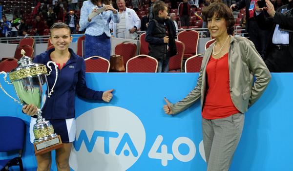Clujeanca Virginia Ruzici (foto, în xdreapta imaginii) este din 2008 managerul Simonaei Halep, jucătoarea numărul 6 în clasamentul mondial WTA
