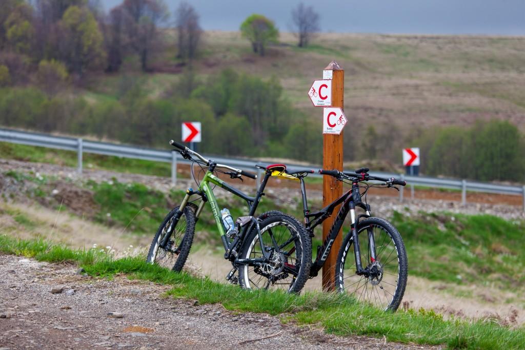 "Traseele de cicloturism sunt marcate cu litera ""C"" | Foto: Andriy Maygutyak"