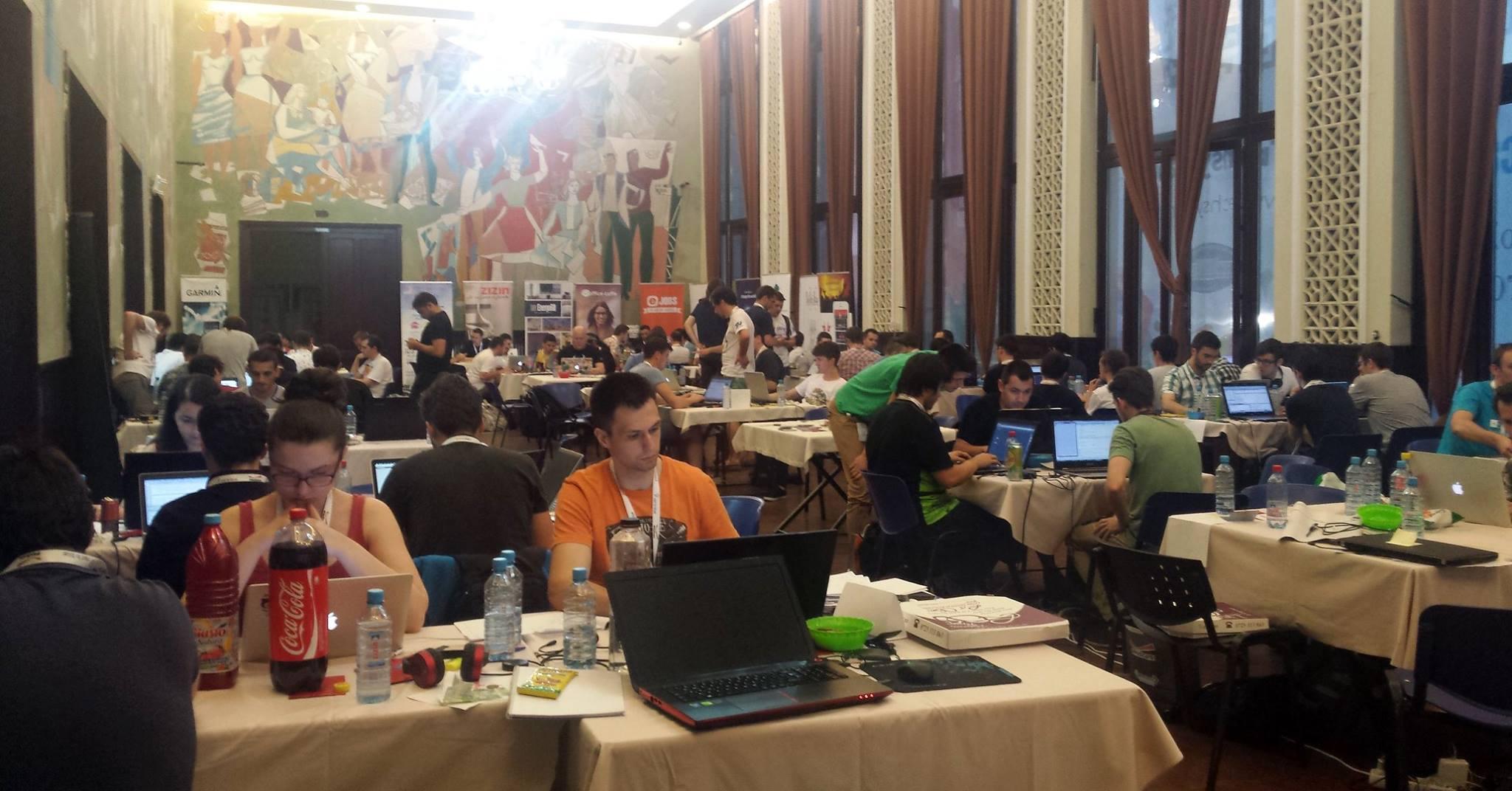 Imagine din timpul unui hackathon Techsylvania