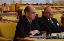 George Jiglău, politolog (foto stânga)