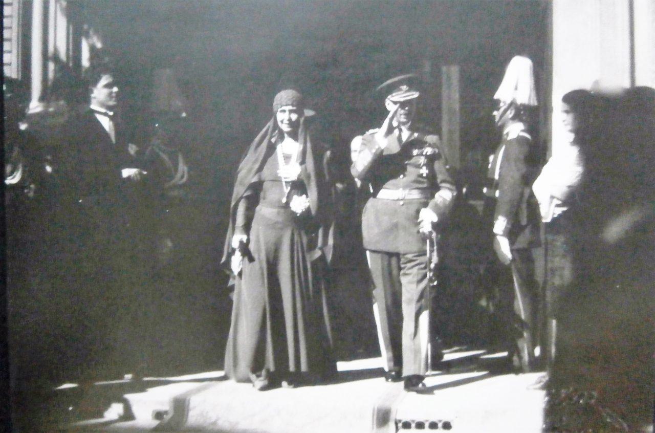 Regina Maria și regele Carol al II-lea, în timpul vizitei din 1930