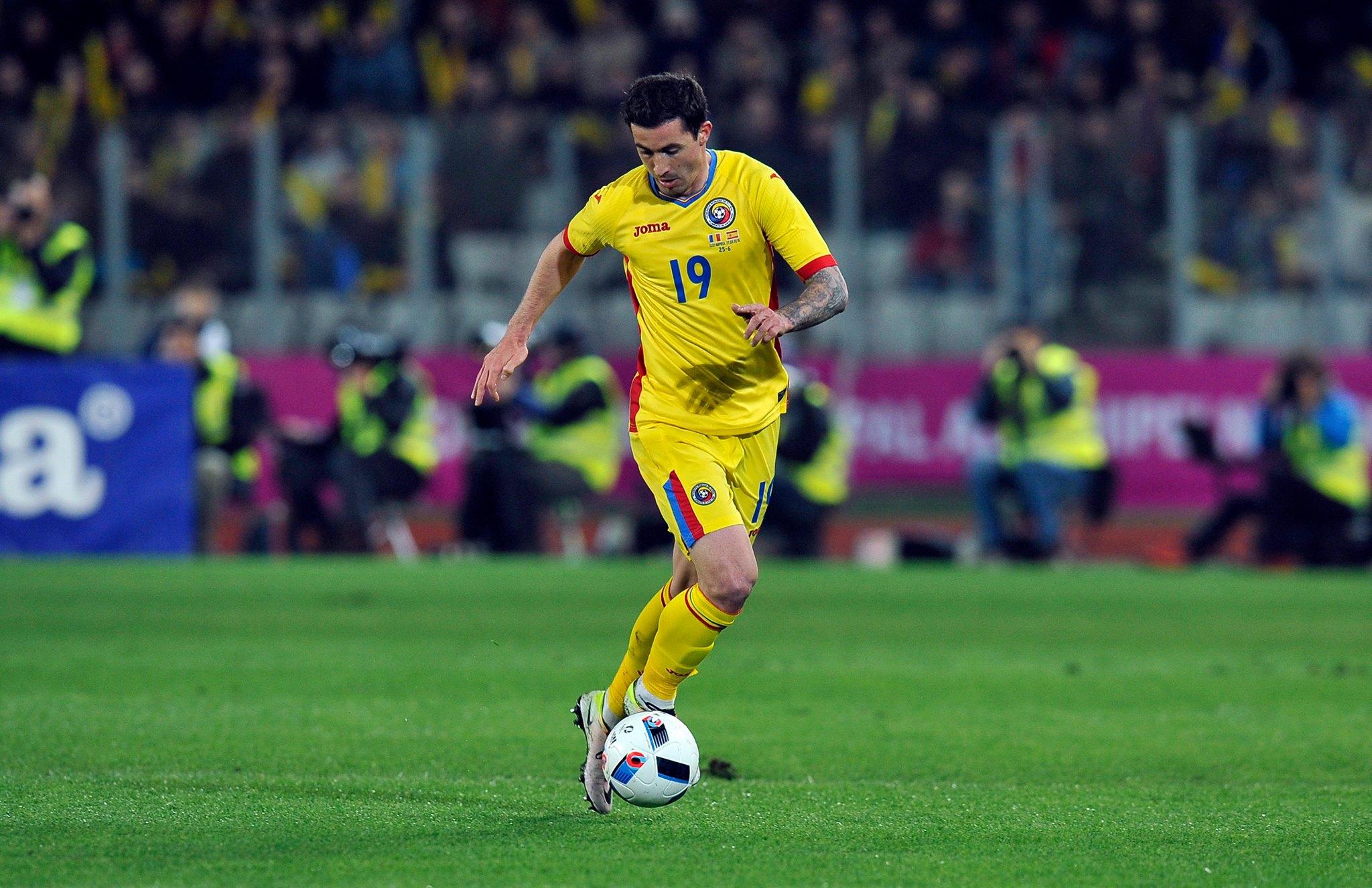 Bogdan Stancu a deschis scorul în meciul cu Elveția și a devenit primul fotbalist român care înscrie două goluri la un turneu final european / Foto: Dan Bodea