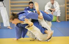Medaliată cu argint la Jocurile Olimpice de la Londra,   judoka clujeană Corina Căprioriu (foto,  în kimono albastru) este marea speranță a Clujului pentru o poziție pe podiumul ediției din acest an a JO de la Rio / Foto: Dan Bodea