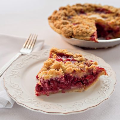 Dacă nu ştii să faci prăjituri,   soluţia pentru a avea,   totuşi,   prăjituri de casă este să apelezi la mini-cofetăriile sau afacerile de familie care se găsesc acum peste tot.