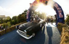 Am găsit proiectanți duși cu pluta! 50 de echipe o vor lua la vale, la Red Bull Soapbox din Cluj-Napoca