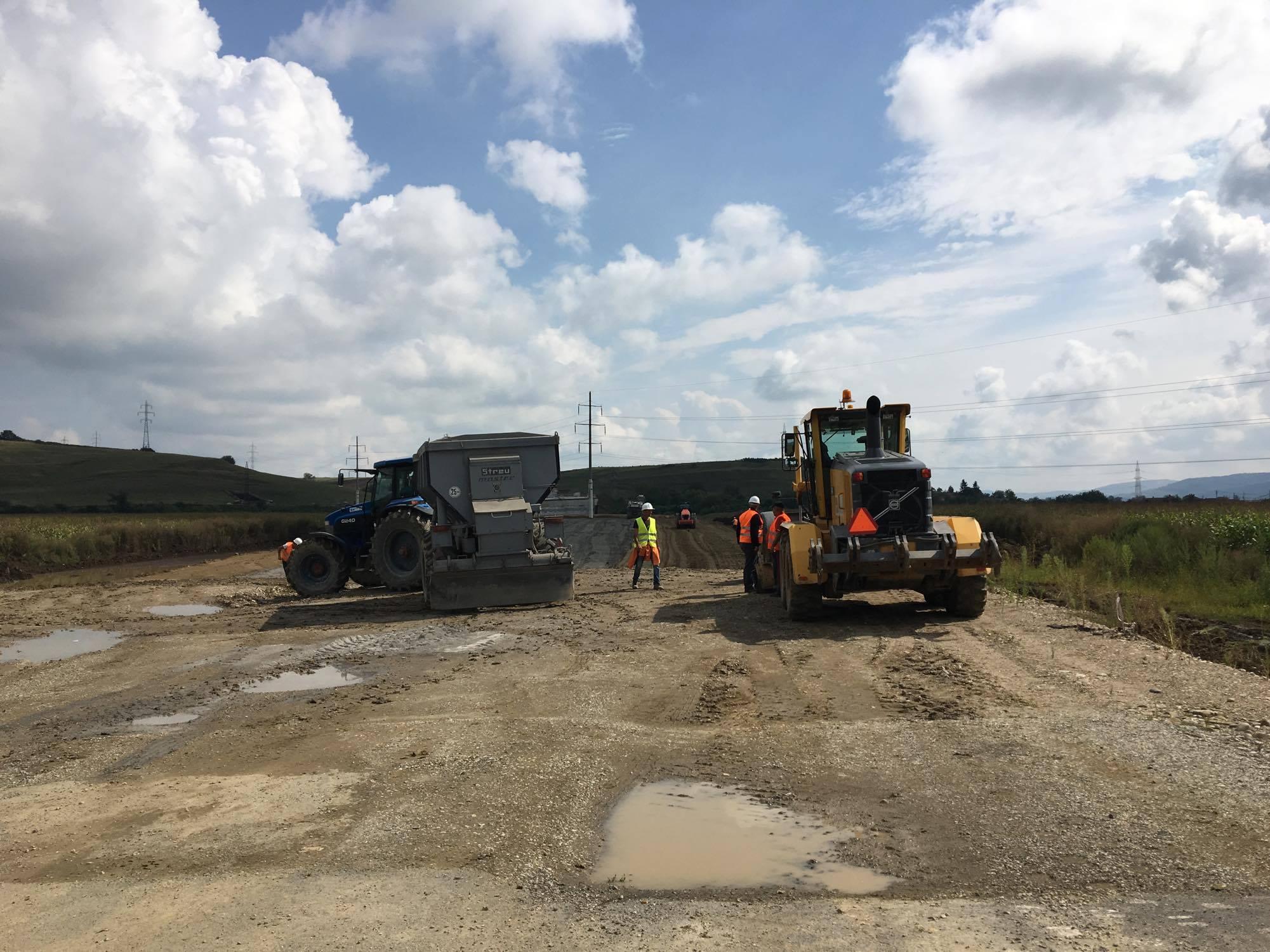 Lucrările pe lotul 4 al autostrăzii Sebeș-Turda vor începe, la capacitate maximă, de luni (Foto: Radu Hângănuț)