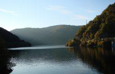 Cum ar trebuit rezolvată problema apei potabile din Lacul Tarnița. Autoritățile ignoră specialiștii