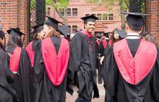 Universitatea Harvard este o universitate privată,   aflată Harvard: istorie şi prestigiu oraşul Cambridge,   statul Massachusetts,   Statele Unite. A fost întemeiată în toamna anului 1636,   prin votul Înaltei Curţi a coloniei britanice din golful Massachusetts,   Province of Massachusetts Bay,   fiind cea mai veche universitate din Statele Unite.