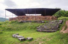 Costești,   cele două turnuri ale regilor daci