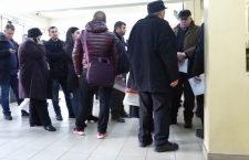 Nervi și înghesuială la Serviciul Public de Înmatriculare a Vehiculelor Cluj