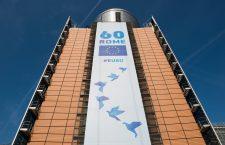 În așteptarea summitului de la Roma, pe clădirea Berlaymont a Comisiei Europene, de la Bruxelles, a fost arborat un mesh de dimensiuni impresionante | Foto: Comisia Europeană