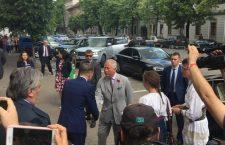 Prințul Charles susține militarii și tinerii fermieri