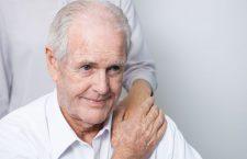 Pacienţii cu Alzheimer au nevoie de îngrijirea atentă a celor care le sunt aproape