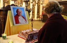 Clujenii se pot închina la moaștele Sfântului Ioan Paul al II-lea la catedrala Schimbarea la Față