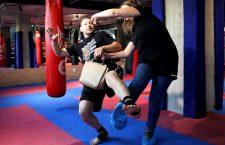Tehnici de autoapărare cu Mircea Mitroescu, antrenorul de kickboxing, autoapărare și lupte de stradă din cadrul Fabricii de Sport din Cluj-Napoca / Foto: Dan Bodea