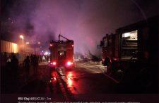 Opt familii care locuiau în barăci improvizate în zona Pata Rât, evacuate în urma unui incendiu
