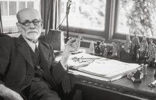 """Sigmund Freud a rămas în istorie drept """"părintele psihanalizei"""", iar specialiștii consideră că lucrarea sa cea mai importantă este """"Interpretarea viselor""""."""
