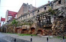 Elevii de la Barițiu vor să ducă la Strasbourg zidul vechii cetăți a Clujului