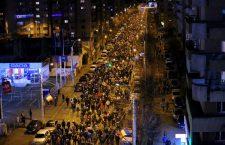 """Mii de clujeni, din nou în stradă: """"PSD – ciuma roşie"""""""