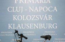 Musai-Muszáj protestează faţă de faptul că plăcuțele multilingve întârzie să fie montate
