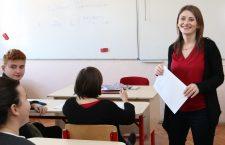 """""""Premiile obținute de-a lungul timpului mă onorează, dar nu fac din ele o carte de vizită"""", Andreea Suciu, profesoară de limba engleză / Foto: Dan Bodea"""
