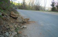 Intervenții pe drumul județean Gilău – Someşu Rece – Mărişel – Fântânele pentru înlăturarea pietrelor căzute de pe versanți