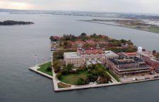 Ellis Island este simbolul american al imigrației și locul în care, la începutul secolului XX, au ajuns peste 12 milioane de oameni.
