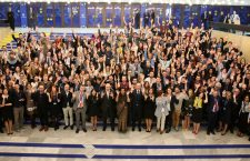 Fotografia oficială cu participanții la conferința de la Sofia